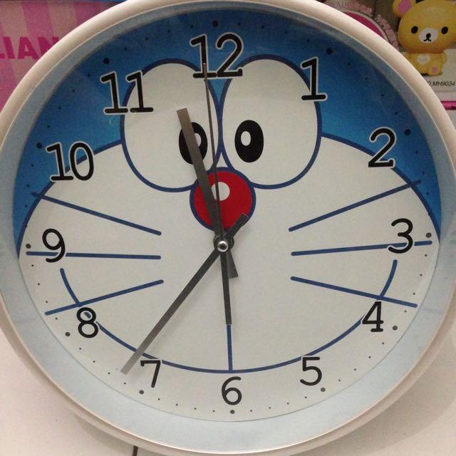 Jam Dinding Karakter Doraemon Ukuran Besar