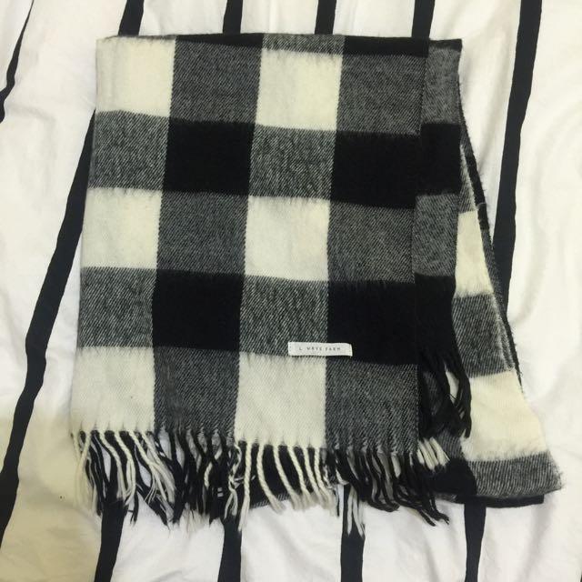 日本品牌LOWRYS FARM羊毛黑白格子圍巾 百搭款