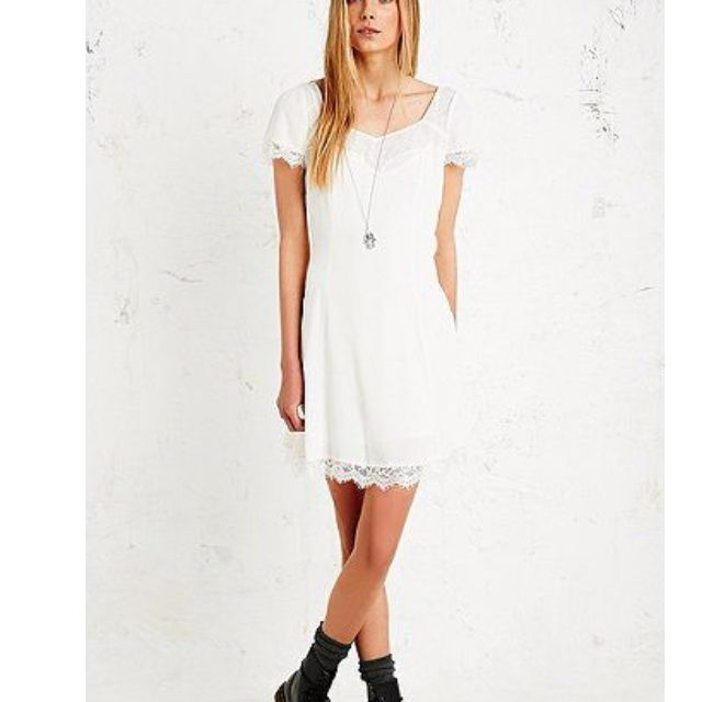PINS & NEEDLES Eyelash Lace Dress in Off-white