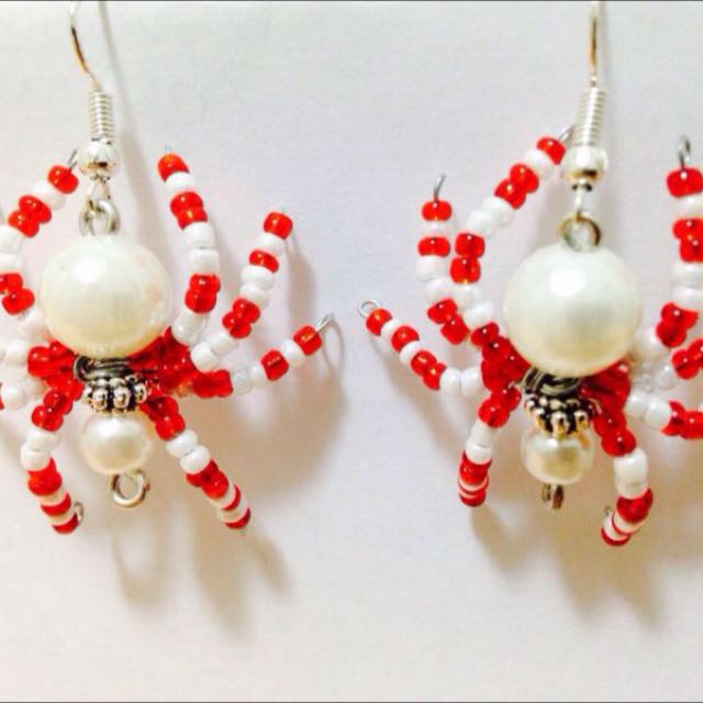 Spiders earrings Halloween Hand Made Pearls And Seed Beads