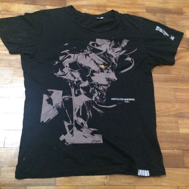 UNIQLO Metal Gear Solid Graphic Ter