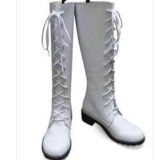 White boot size 36