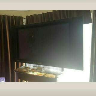 42 Inch TV Good Condition
