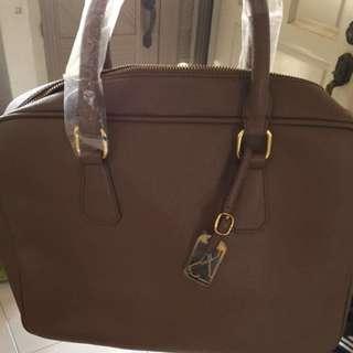 BN artistry Leather Bag / Hand Bag Brown Black