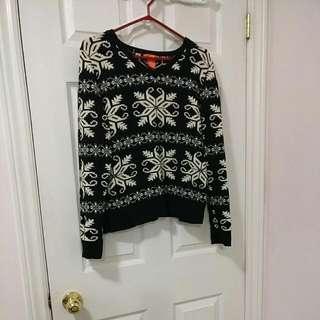 Snowflake Sweater (Size L)