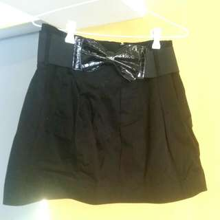 Black Skirt With Bow Belt