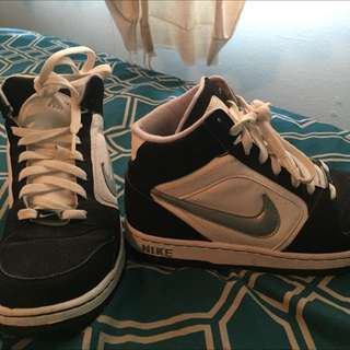 Nike High Tops Size 6
