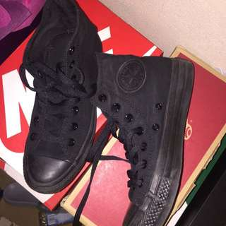 Triple Black Converse Hi Top (Chuck Taylor All Star)