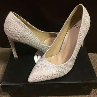 Novo - Heels Size 8