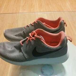 Nike Roshe Runs SIZE US 10