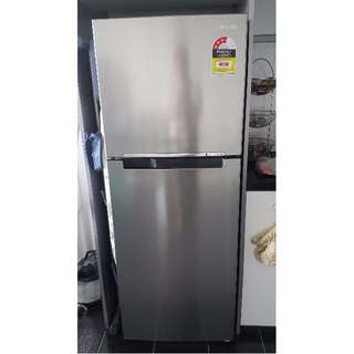 Samsung SR218LSTC 318L Fridge (4 Months old)