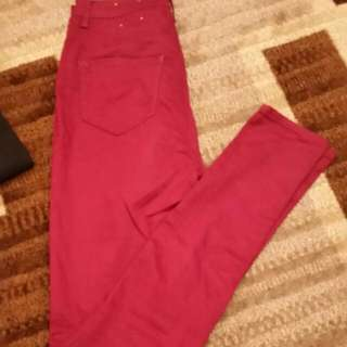 Maroon High Waited Skinny Jeans. Size 5