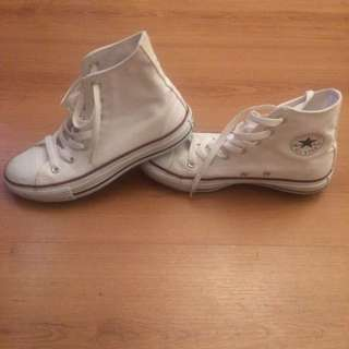 *Reserved* High tops Converse