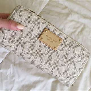 Michael Kors Vanilla Jet Set Wallet