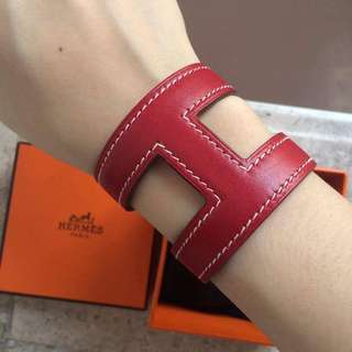 Red Hermés Leather-H Cuff