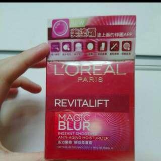 Loreal Revitalift Magic Blur