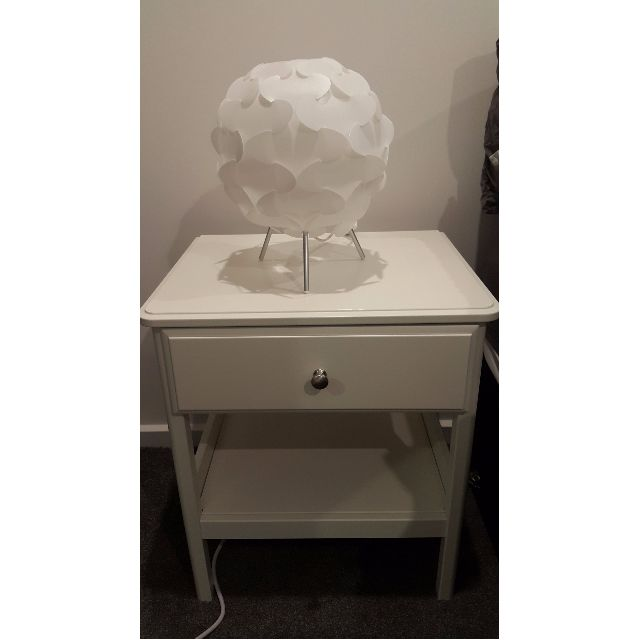 IKEA Tyssedal bedside table and 2 lamps (4 months old)