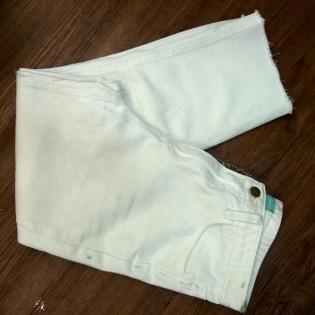白色韓版高腰牛仔褲