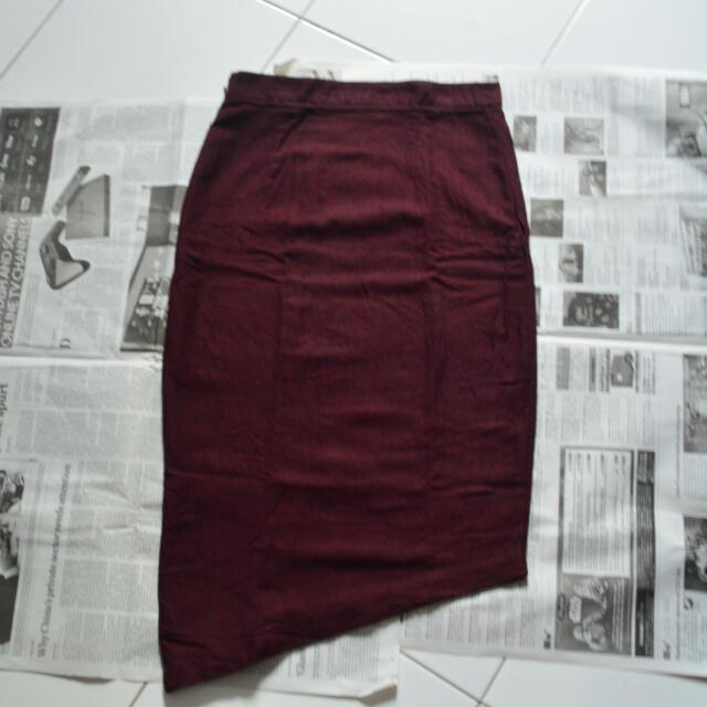 LM Hardware Asymmetrical Skirt