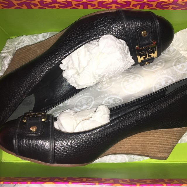 authentic tory burch wedges size 8