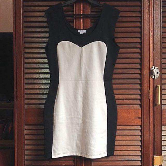 Sale ✨Black/White Cotton On Dress