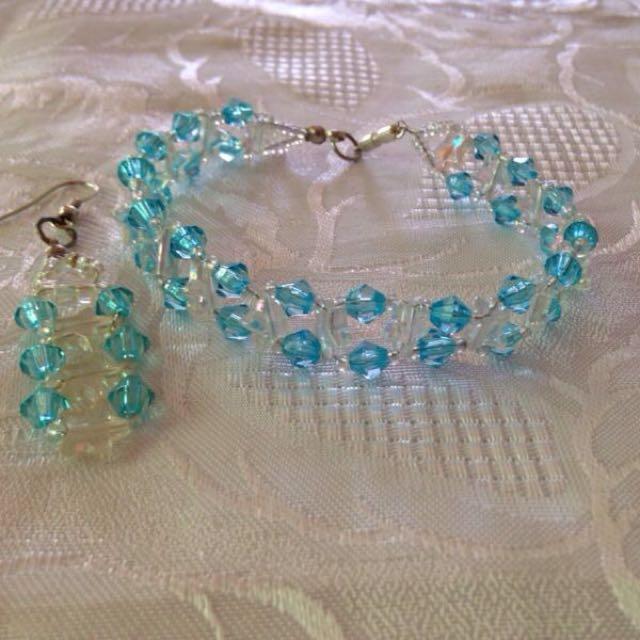 Blue  Bracelet with earrings