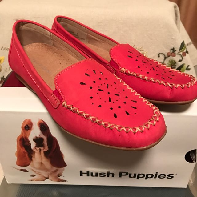 Brand New Hush Puppies Flats Size 5