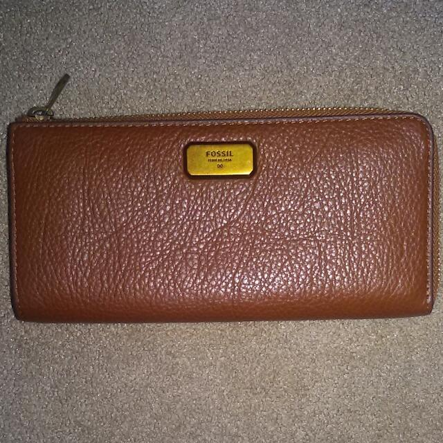 Dompet Fossil Emeron Large Zip Clutch
