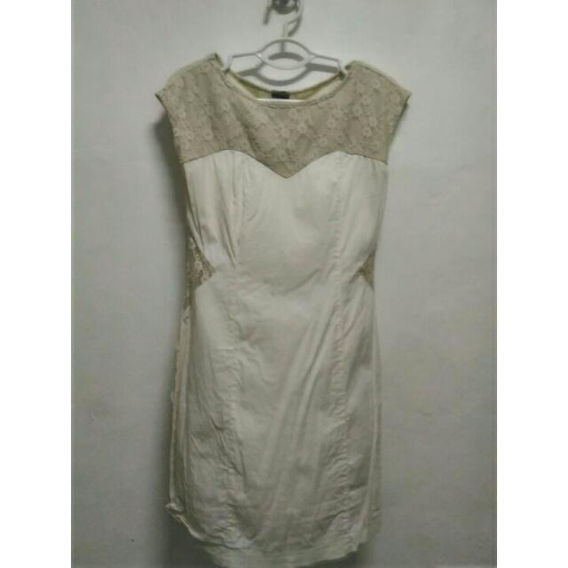Freeway Body Con Dress With Lace