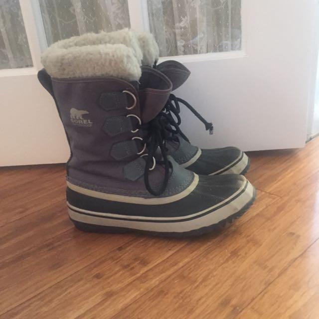 Gray Sorel Boots - Size 7