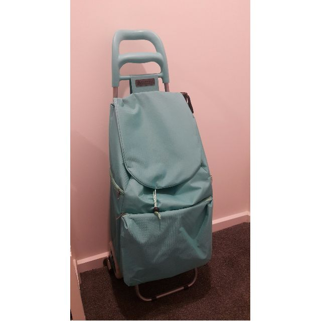 Maxwell & Williams trolley (4 months old)