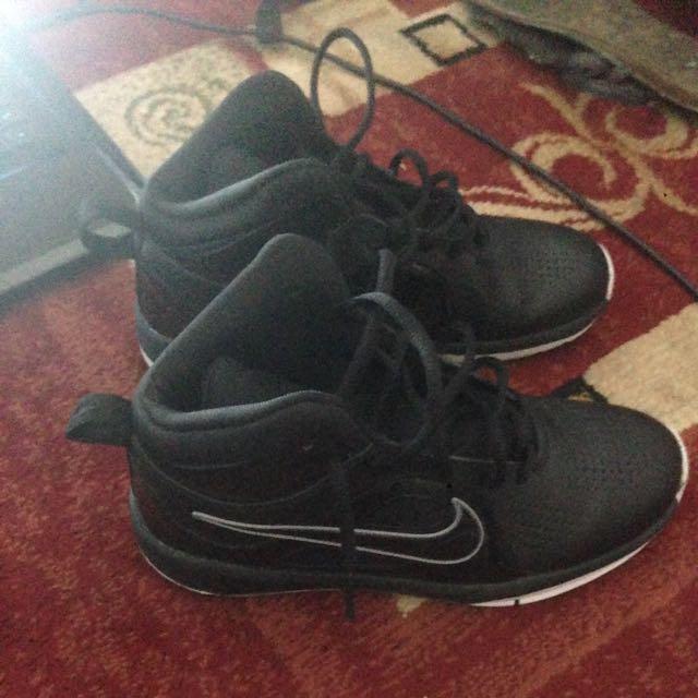 Nike Hustle D 6 GS