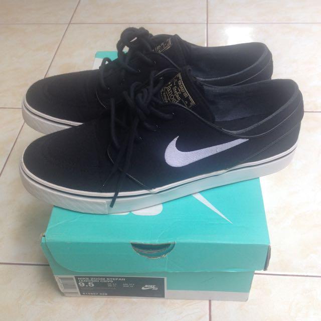c0d83a609cd Nike SB Air Zoom Stefan Janoski Black White