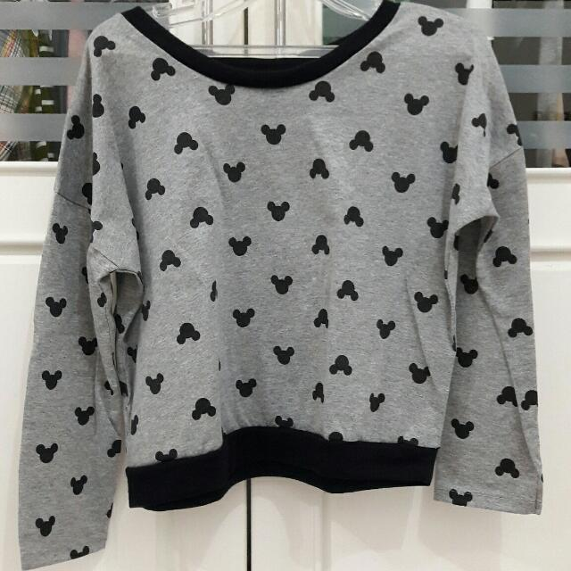 PRELOVED Mickey Mouse Cropped Sweater