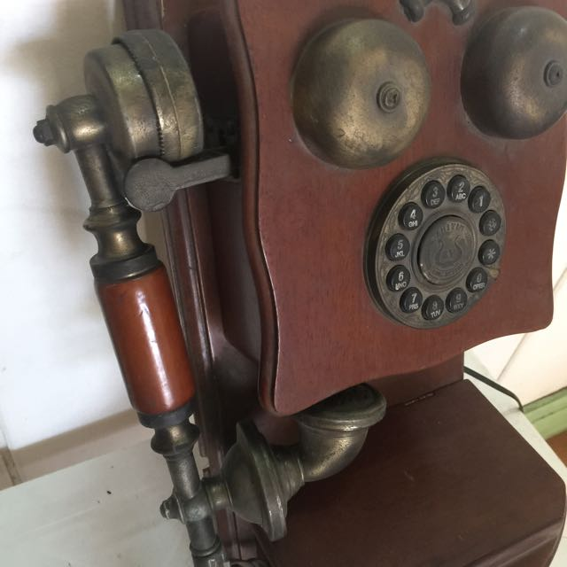 replica of a 1960's phone