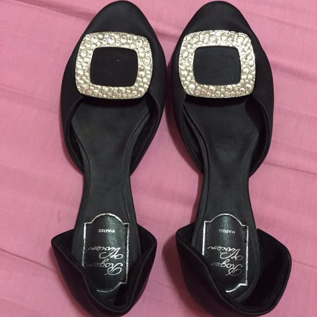 Roger Vivier flats (authentic)