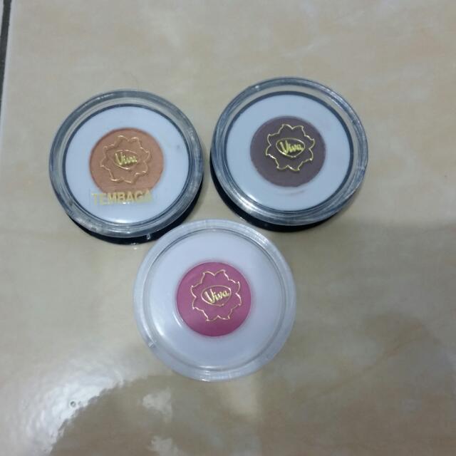 Set Of Viva Cosmetics Eyeshadow & Blush On