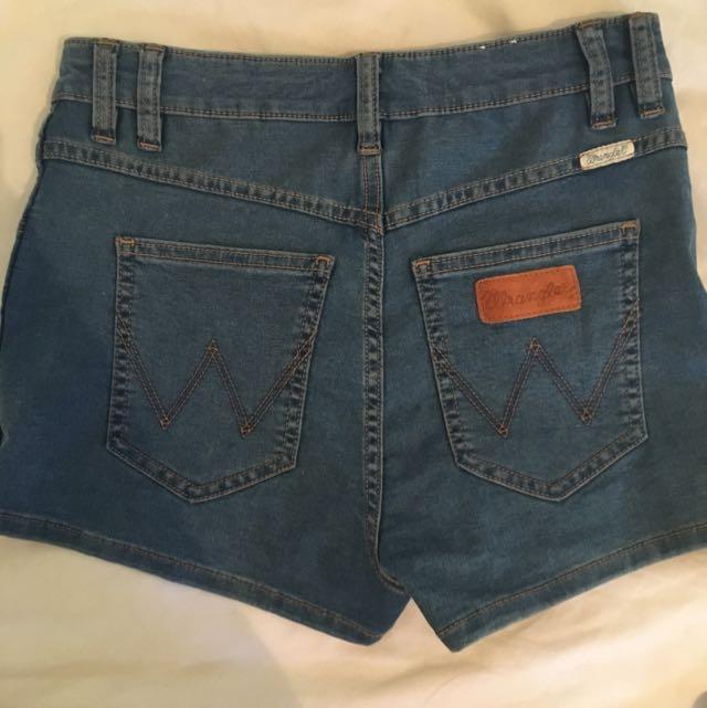 Wrangler High Cheeky Shorts Lennon Stone Denim 10