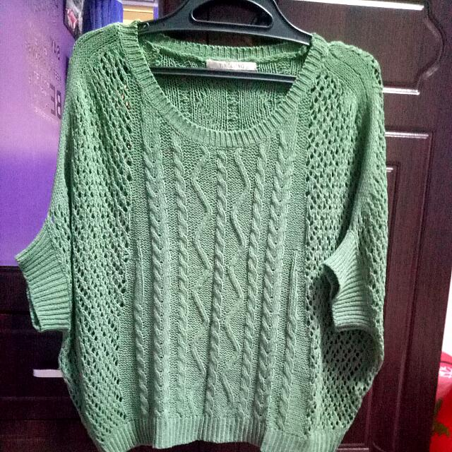 Yinglong Green Blouse