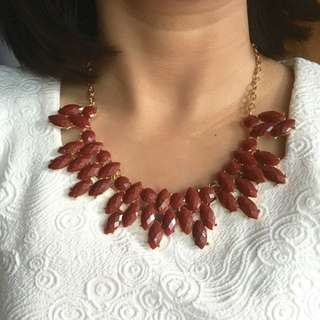 Kalung Maroon Necklace
