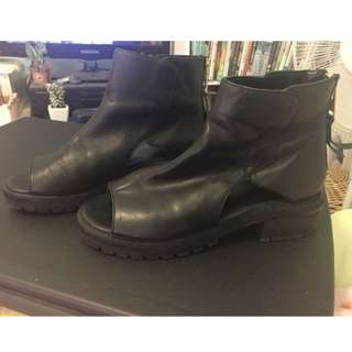 YKK cut Out Boots With Zip