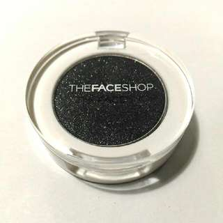 Shimmery Black Eyeshadow (The Face Shop)