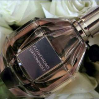 NEW Victor And Rolfe Flowerbomb Perfume