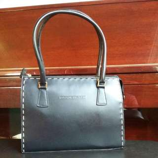 Woman's Bag. Brand  COSGROVE&BEASLEY