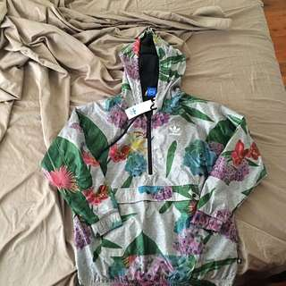 Adidas Ladies Windbreaker 12
