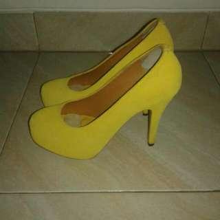 Yellow Hells