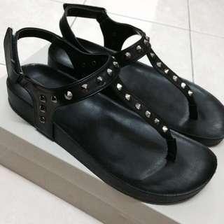 Vincci Black Studded Sandal