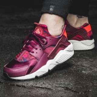 Nike Huarache Crimson
