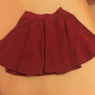 含運酒紅色短裙