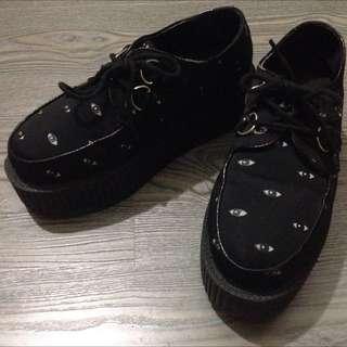 鬆糕厚底 個性眼珠 黑鞋